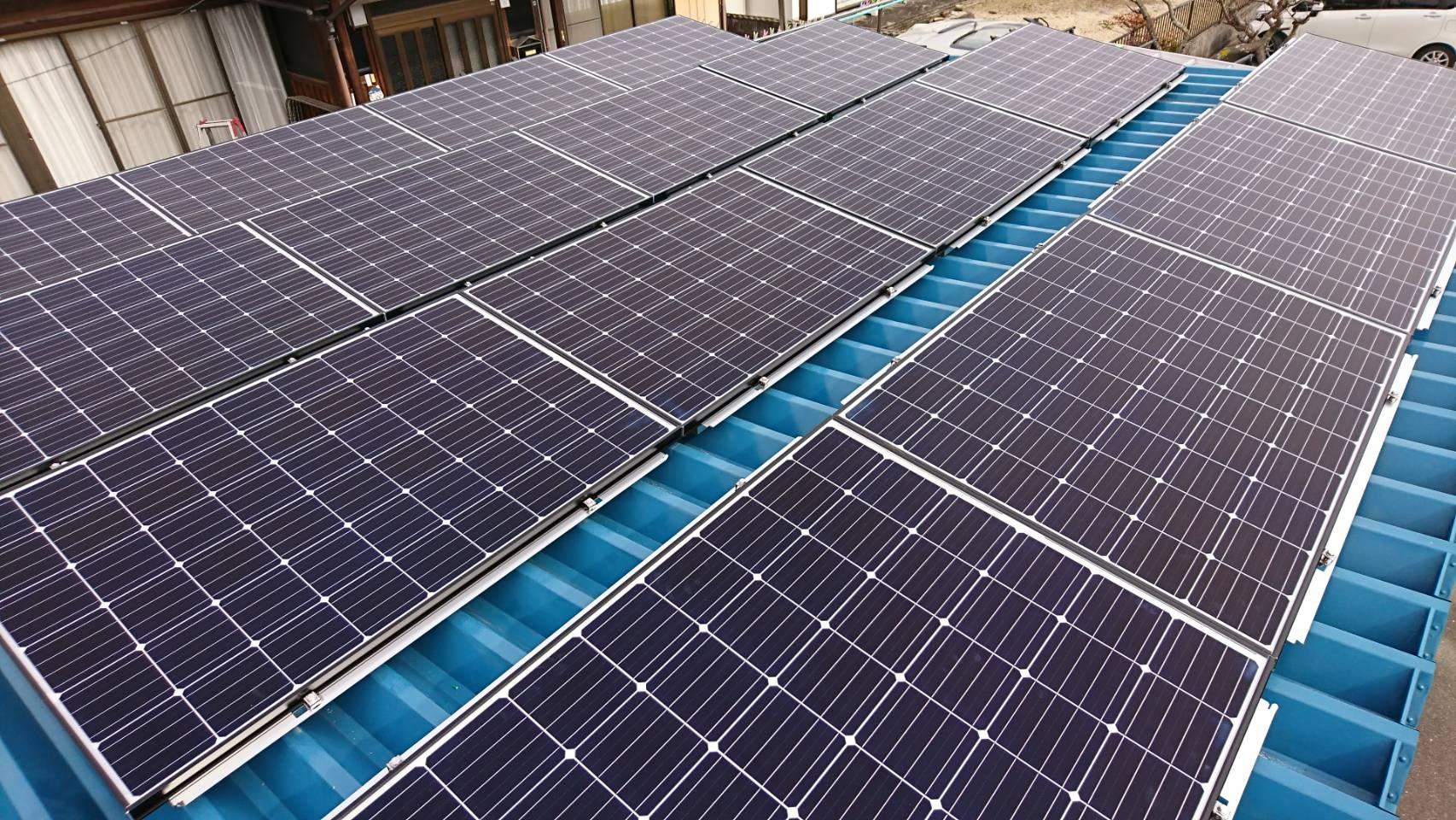 三重県長州産業太陽光発電CS-274B61施工後の写真
