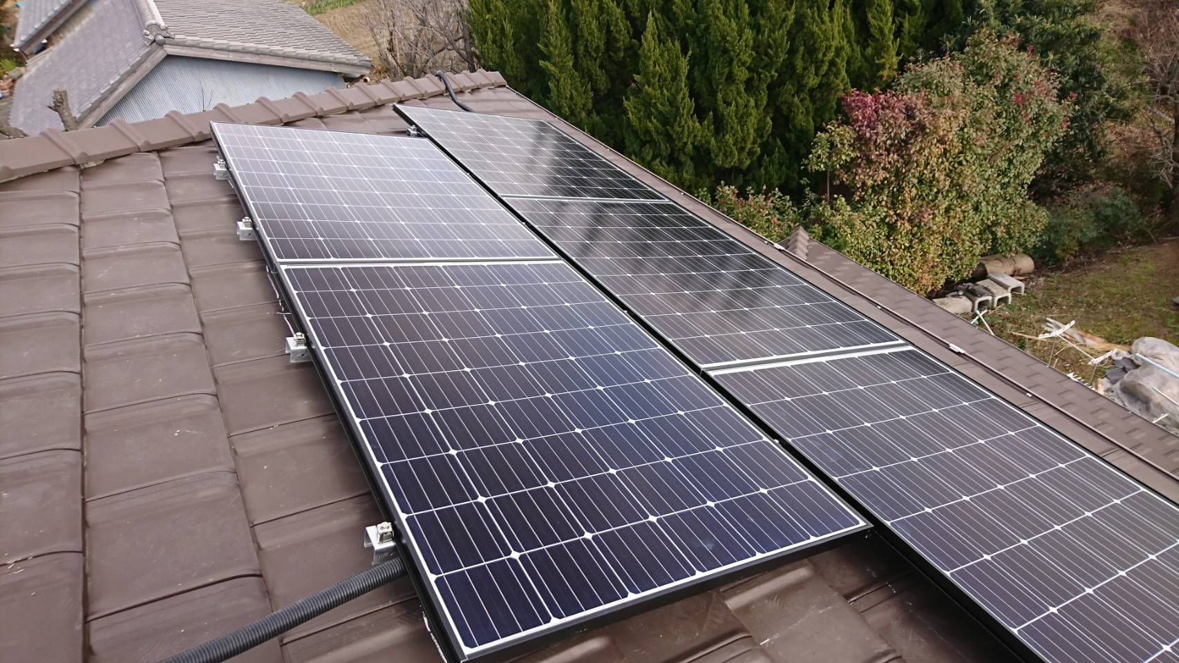 三重県長州産業 太陽光発電CS-274B61施工後の写真