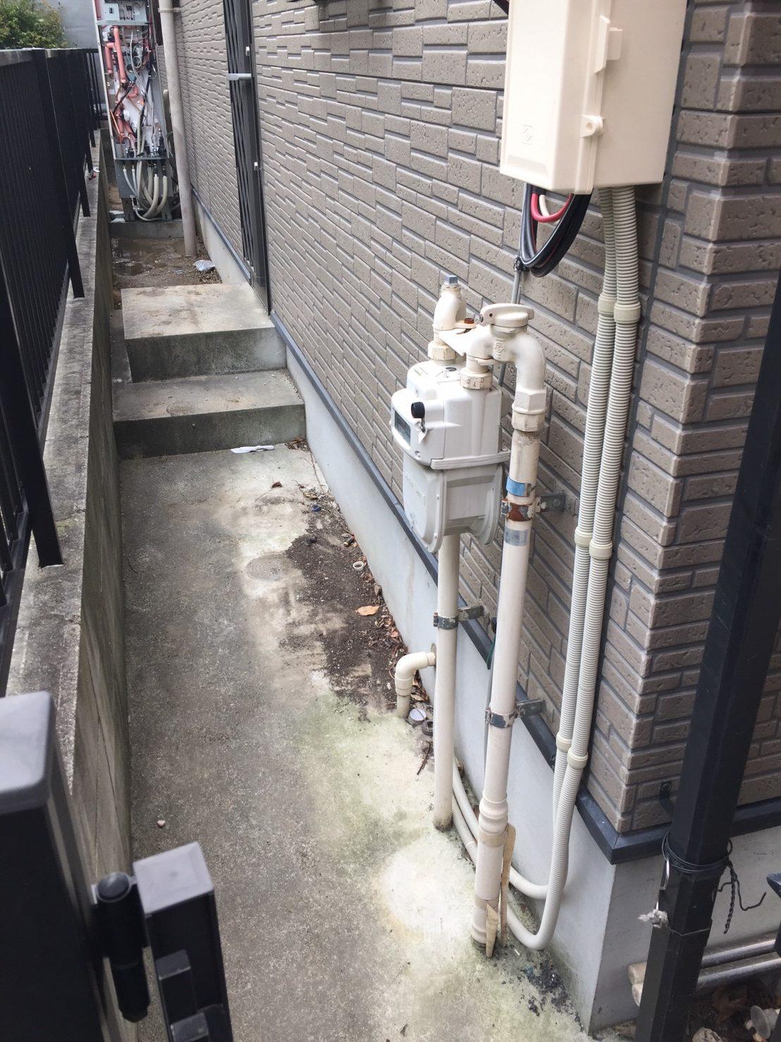 大阪府東芝エコキュートHWH-B375HW三菱IHクッキングヒーターCS-G32M施工前の写真