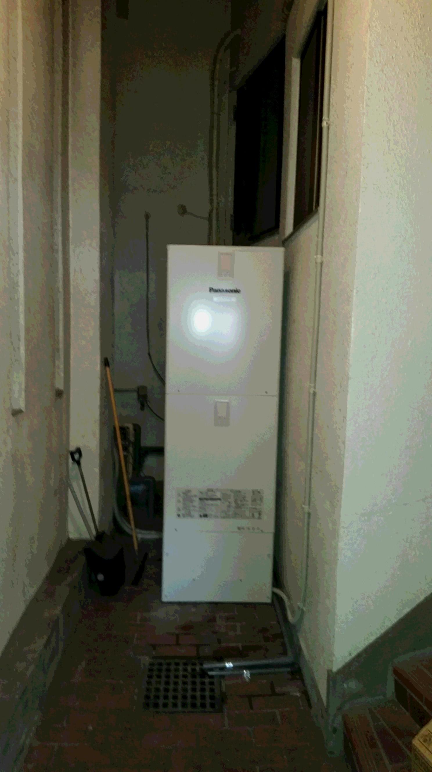滋賀県Panasonicエコキュート(床暖対応)HE-D37FQS施工後の写真