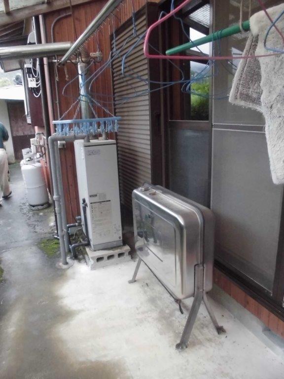 滋賀県東芝エコキュートHWH-B464施工前の写真