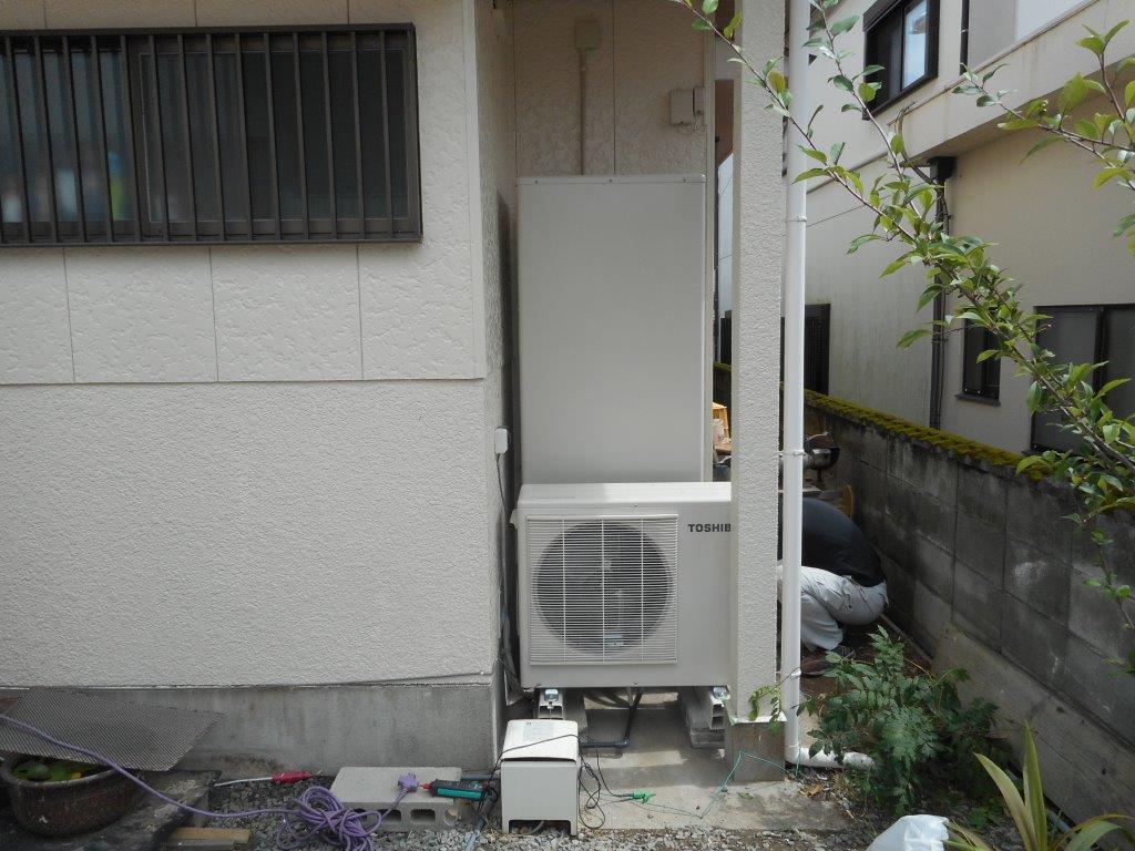 三重県東芝エコキュートHWH-B464H施工後の写真