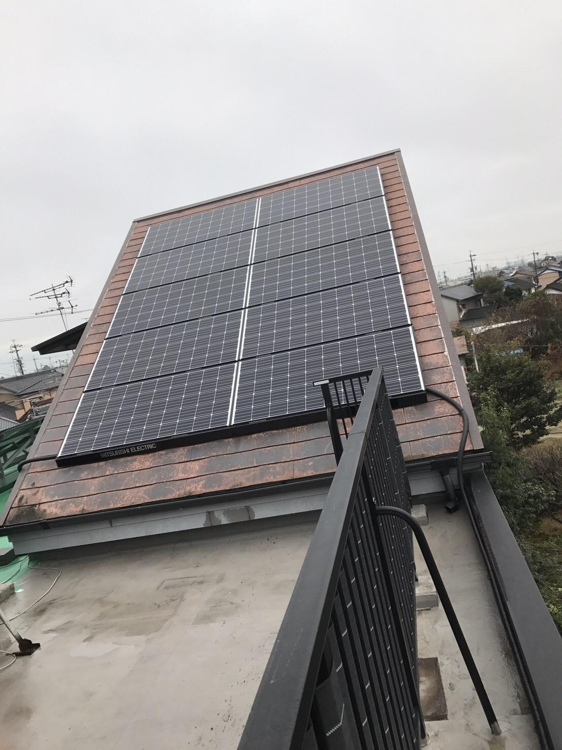 滋賀県三菱太陽光パネル 10PV-MA2250M施工後の写真