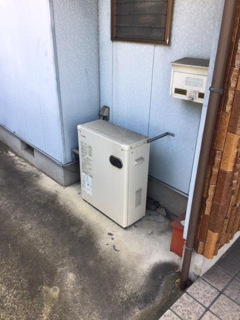 三重県東芝エコキュートHWH-B375H施工前の写真