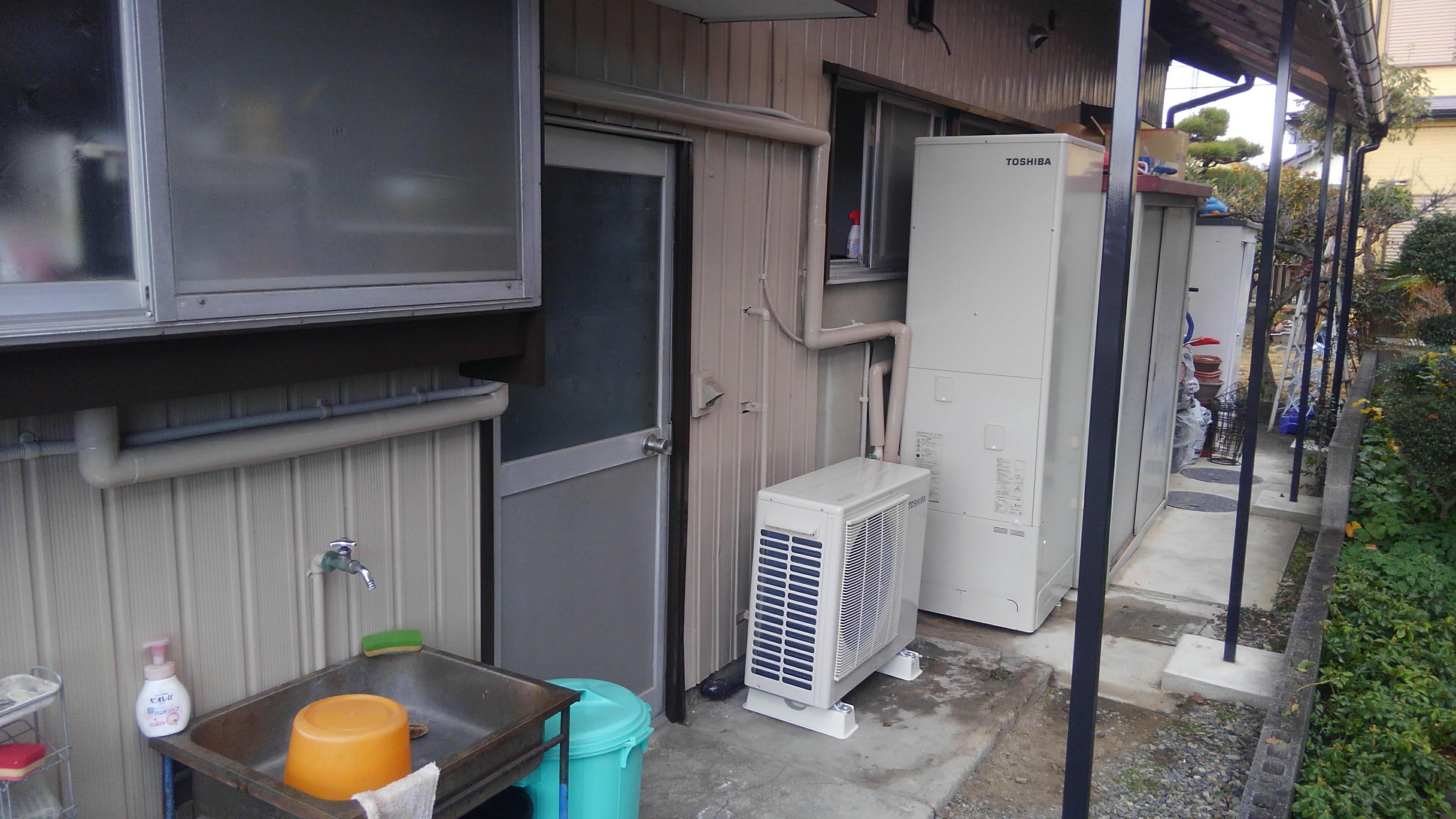 三重県東芝エコキュートHWH-B465HA施工後の写真