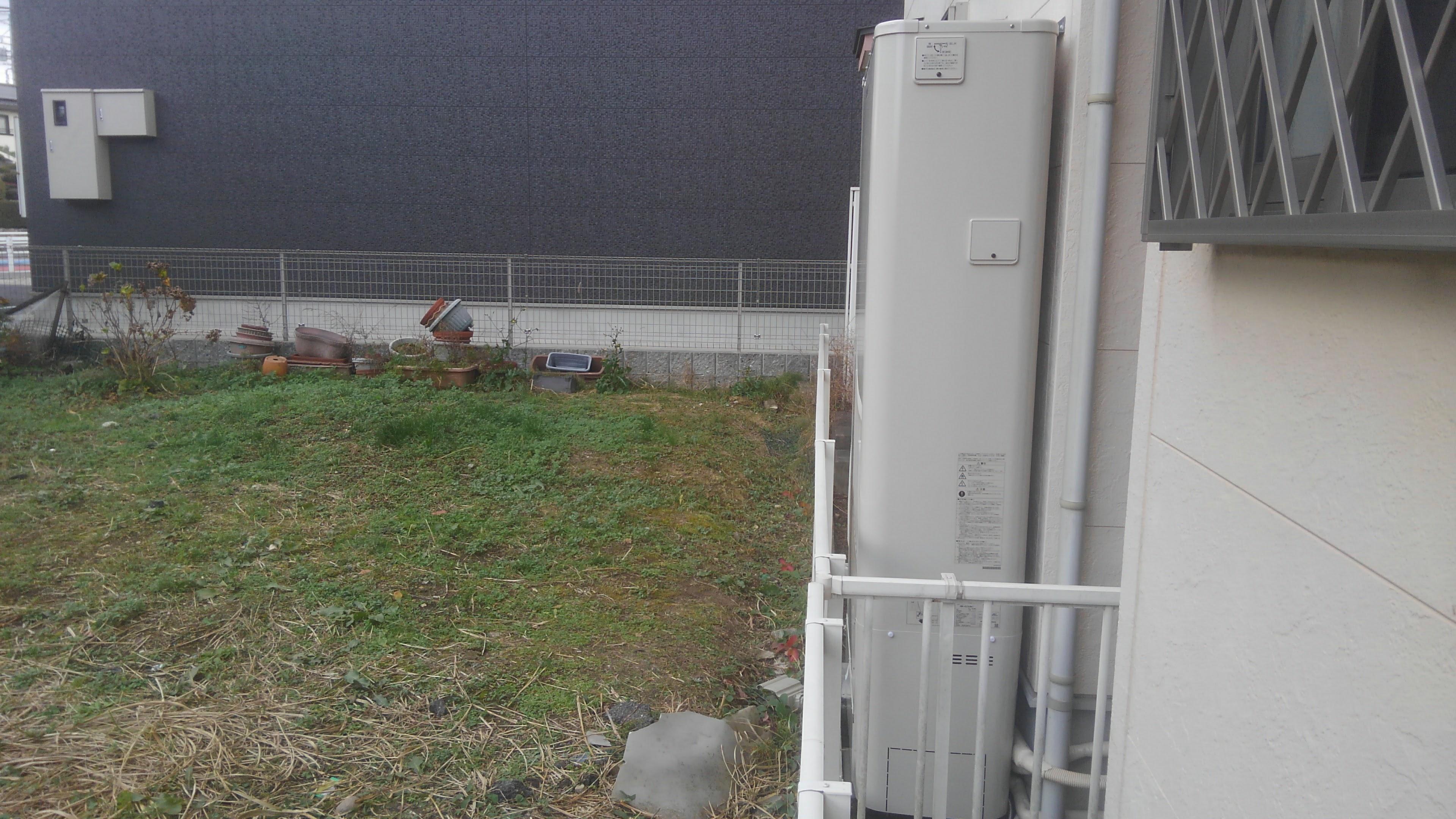 大阪府東芝エコキュート(薄型)HWH-B375HWA三菱IHクッキングヒーターCS-G32MS施工後の写真