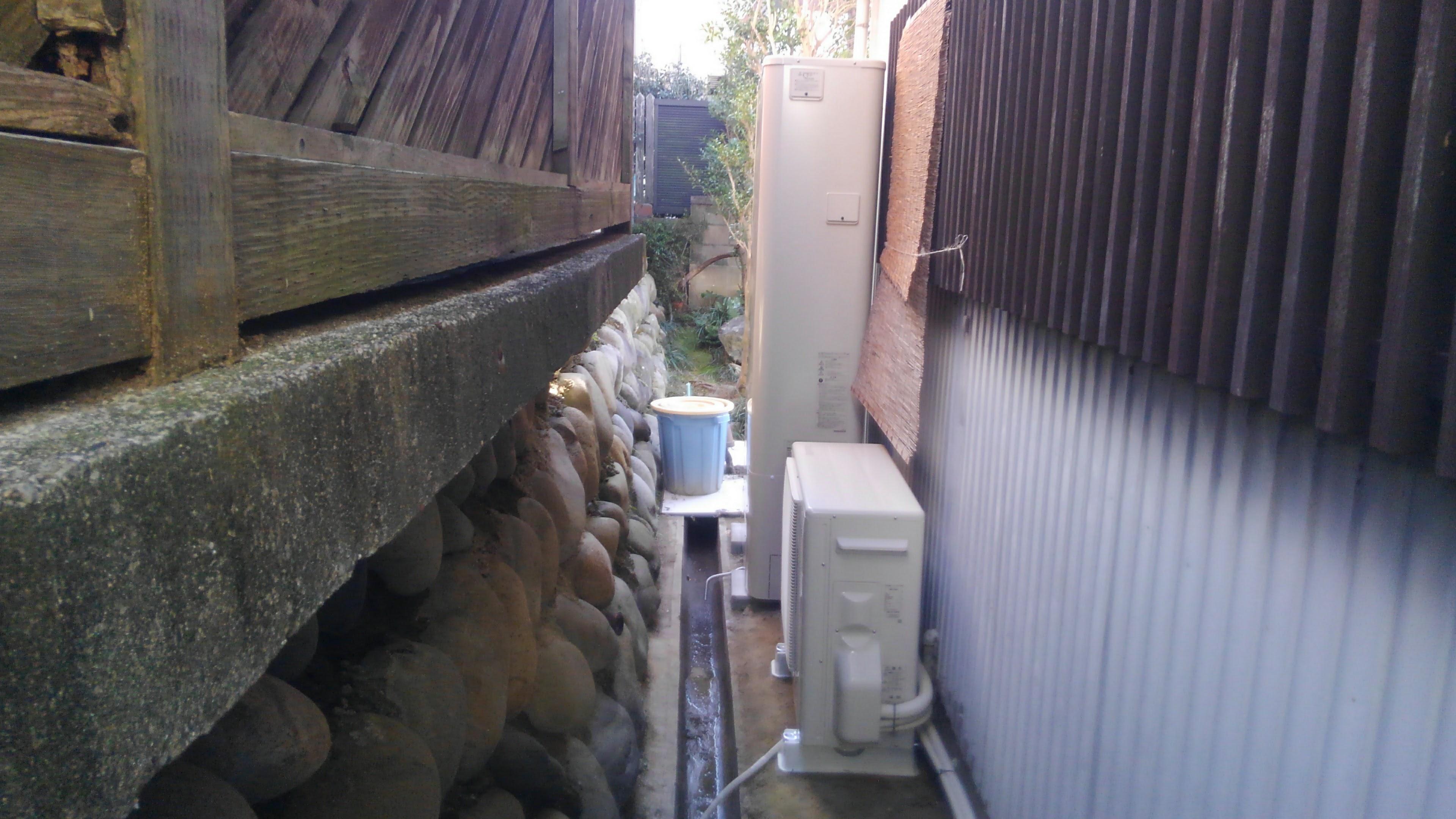 滋賀県東芝エコキュート(薄型)HWH-B375HW施工後の写真