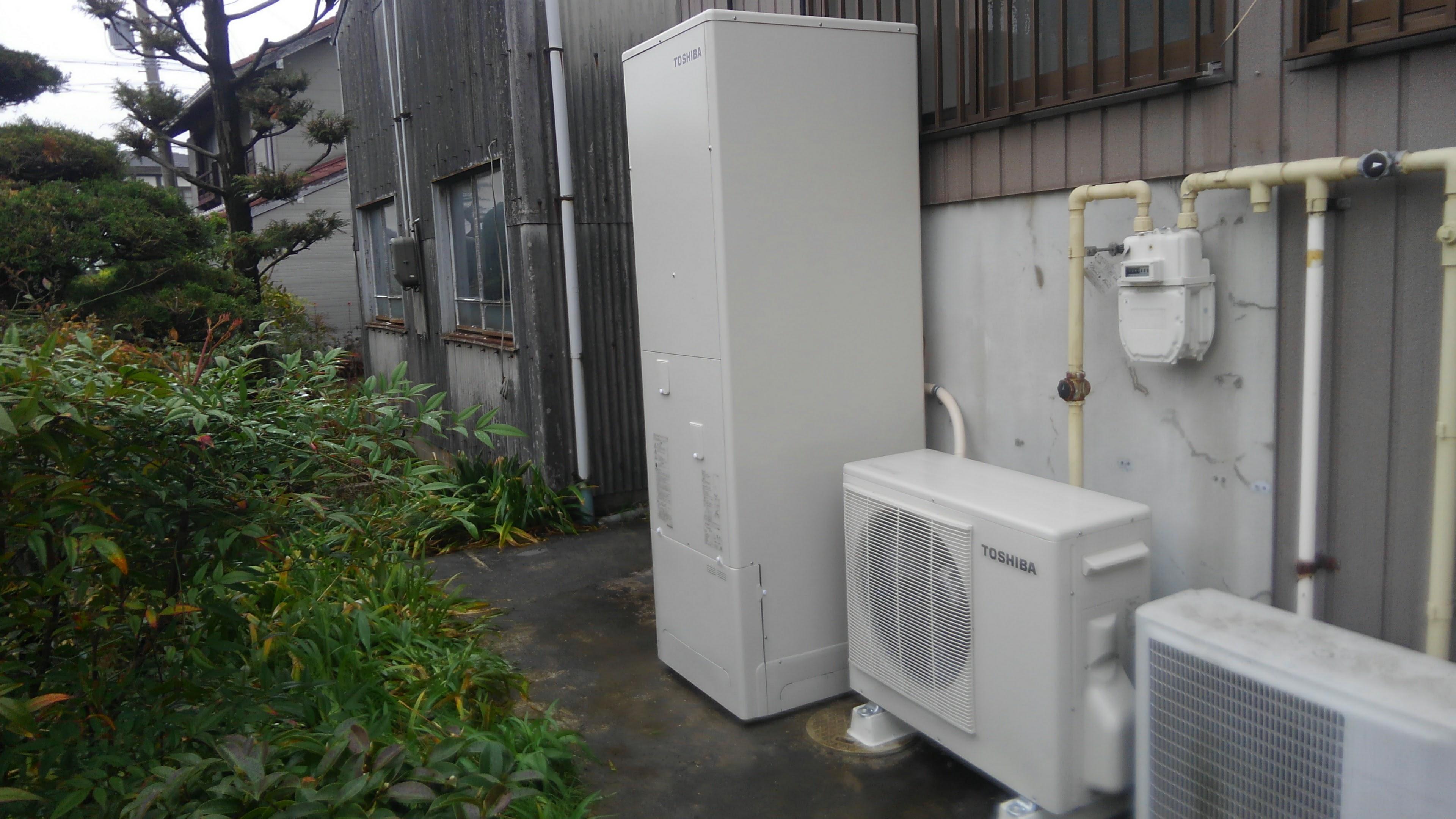 三重県東芝エコキュートHWH-B465H施工後の写真