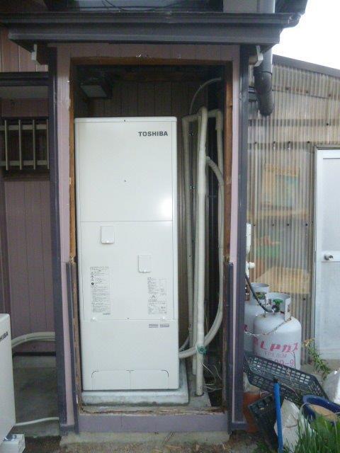 三重県東芝エコキュート(給湯専用)HWH-F374施工後の写真