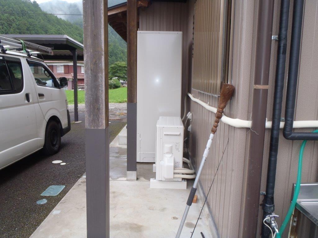 三重県東芝エコキュートHWH-B464HA施工後の写真