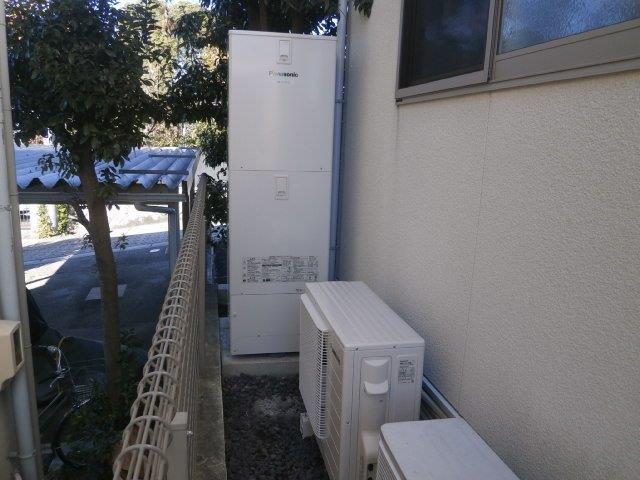 三重県パナソニックエコキュート(床暖房対応)HE-D37FQS施工後の写真