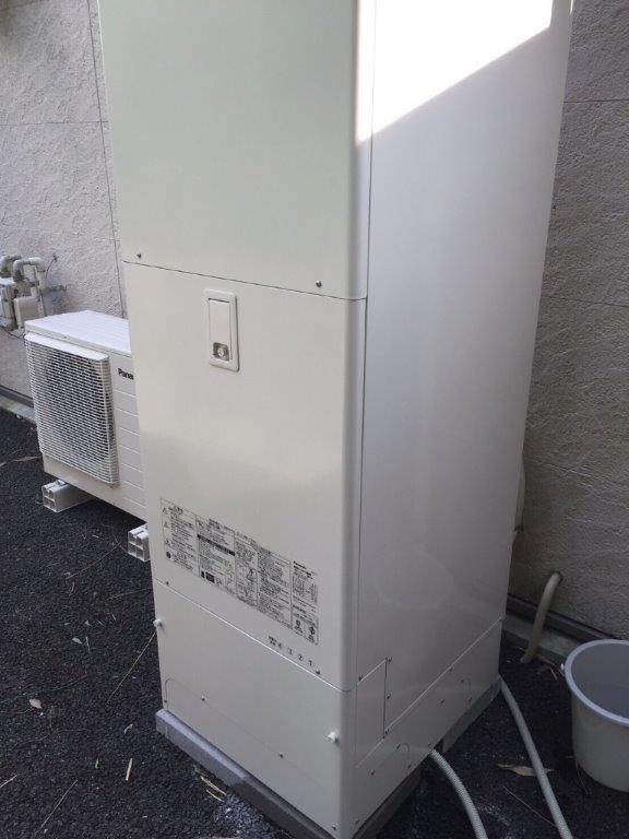 愛知県Panasonicエコキュート(床暖対応)HE-D37FQS日立IHクッキングヒーターHT-K300HTF施工後の写真