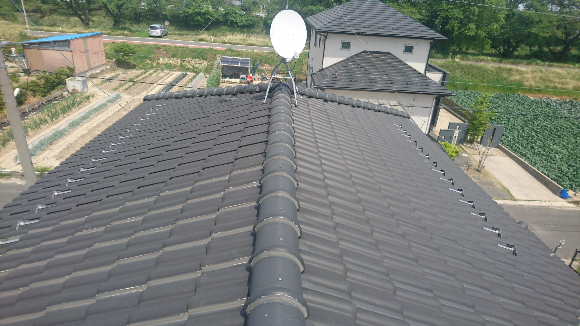 大阪府ハンファQセルズ太陽光発電Q.PEAK-G4.1 160×18枚ハイブリッド蓄電池HQJB-BU56-A1施工前の写真
