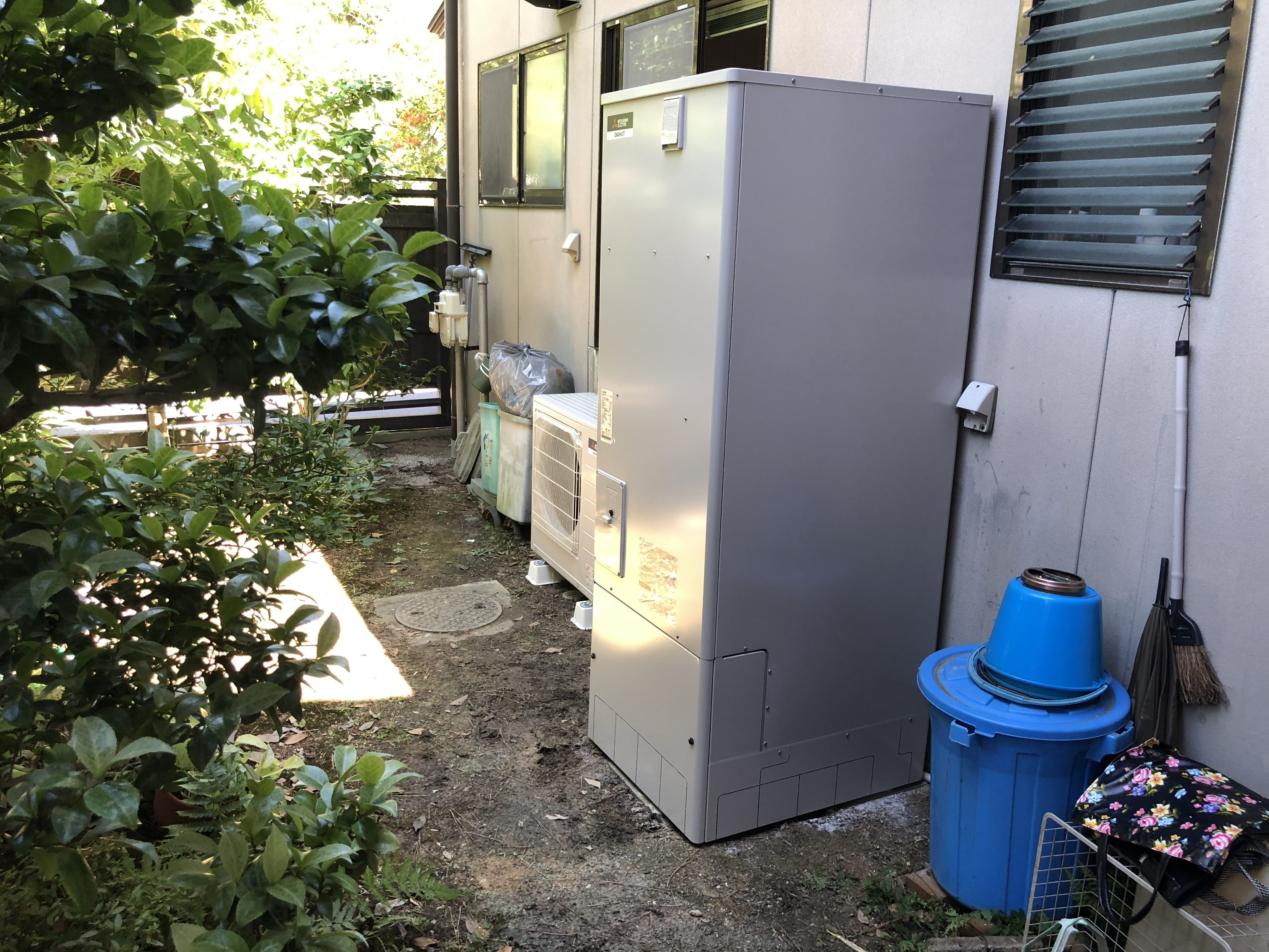 大阪府三菱エコキュート SRT-W373施工後の写真