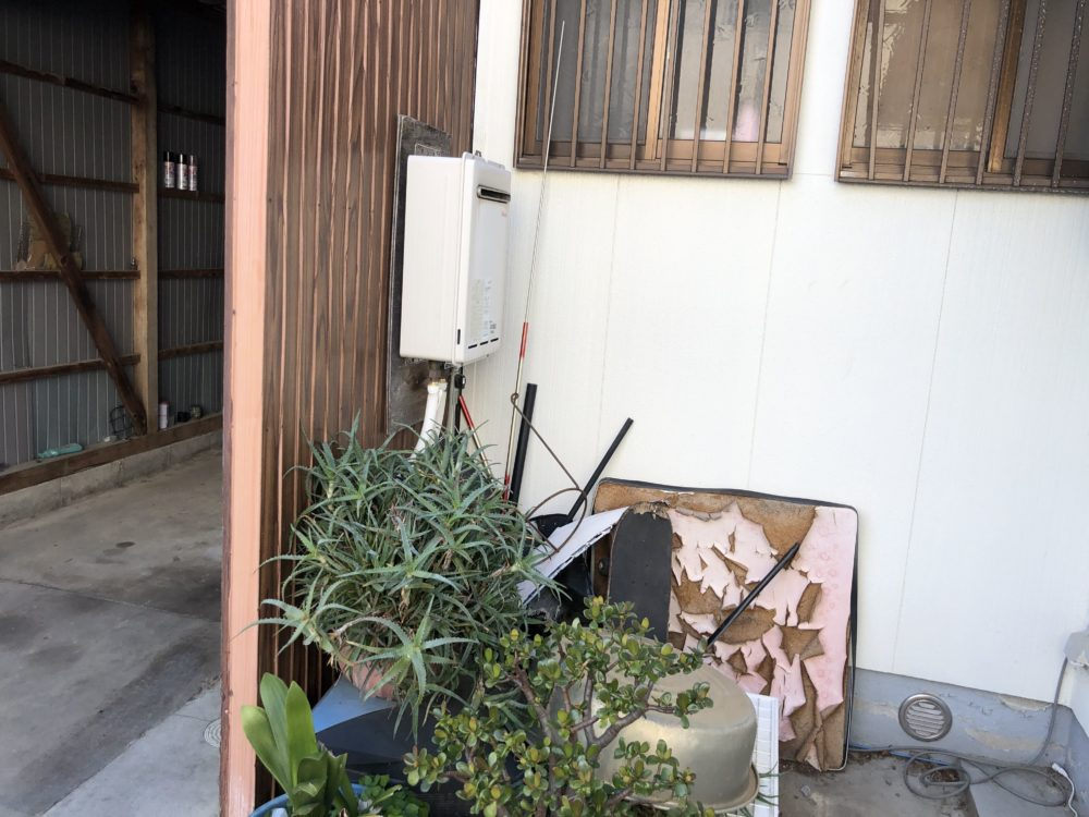 大阪府東芝エコキュートHWH-B465N施工前の写真