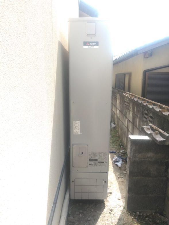 大阪府三菱エコキュートSRT-S374UAIHクッキングヒーターCS-G318MS施工後の写真