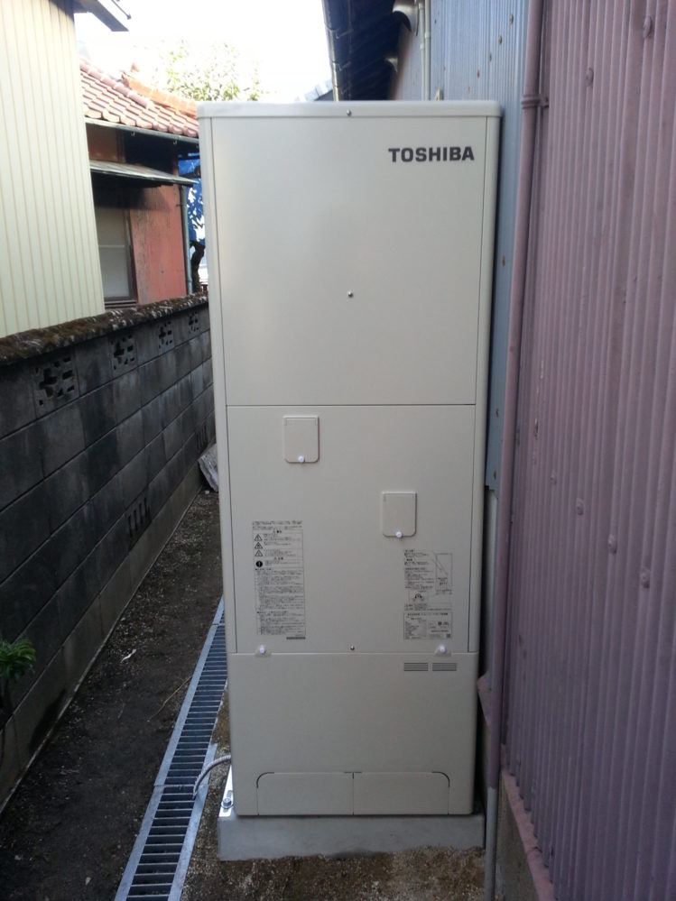 大阪府東芝エコキュートHWH-B466HA三菱IHクッキングヒーターCS-T316VSR施工後の写真