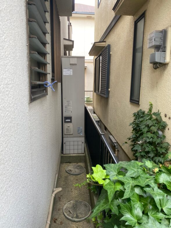 奈良県三菱エコキュートSRT-S435UZ施工前の写真