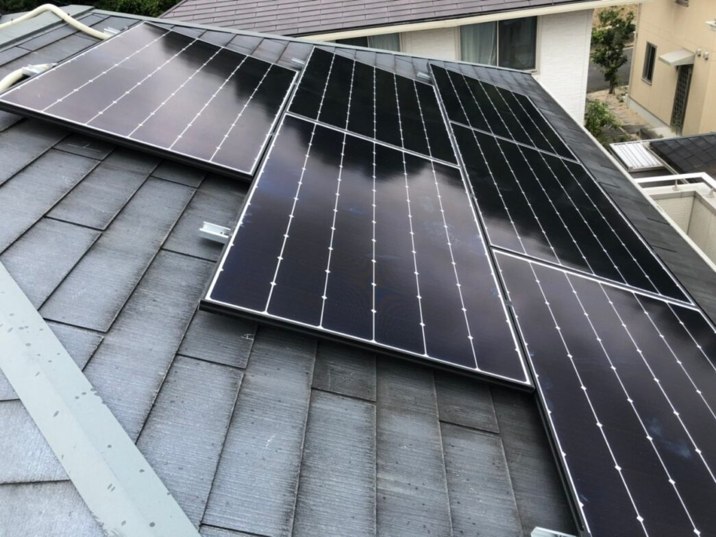 大阪府Candian Solar太陽光発電システムMOD-CSH1-335MS施工後の写真