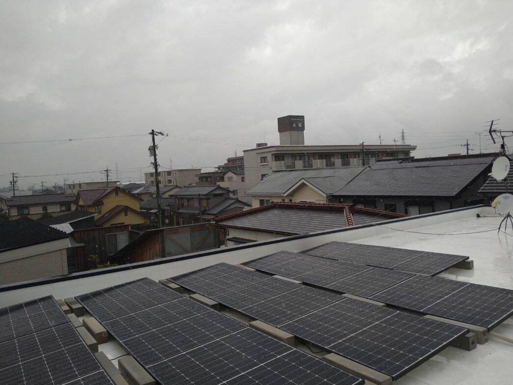 愛知県Canadian Solar太陽光発電システムCS3LA-300MS施工後の写真